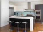 Tủ bếp gỗ Acrylic thiết kế sang trọng hiện đại– TBT3903