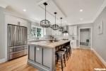 Tủ bếp gỗ Tần Bì màu trắng sơn men thiết sang trọng – TBT3864