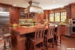 Tủ bếp gỗ Xoan Đào thiết kế chữ L có bán đảo tiện dụng – TBT3922