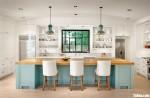 Tủ bếp gỗ Xoan Đào thiết kế có bàn đảo tiện dụng  – TBT3932