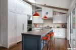 Tủ bếp gỗ Sồi màu trắng sơn men hiện đại – TBT3936