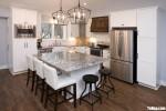 Tủ bếp gỗ Sồi màu trắng sơn men hiện đại – TBT3968