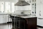 Tủ bếp gỗ Căm Xe thiết kế bán bán cổ điển sang trọng – TBT3966